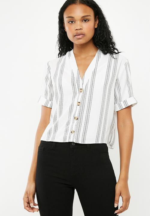 516dc038 Peggy button detail boxy blouse - white New Look Blouses ...