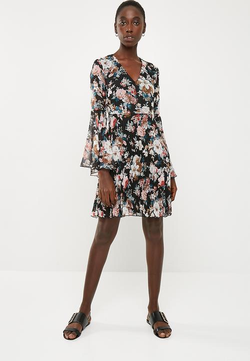 669552e9d0c Bell sleeve fit   flare dress - black floral Superbalist Formal ...