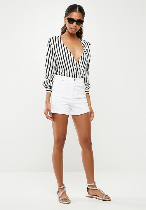 5131b6c9f8 Striped plunge neck bodysuit - black white Missguided Blouses ...