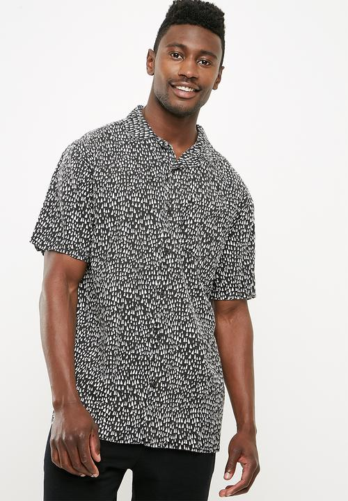 fcc0c0e6 91 short sleeve shirt - pointy Cotton On Shirts | Superbalist.com