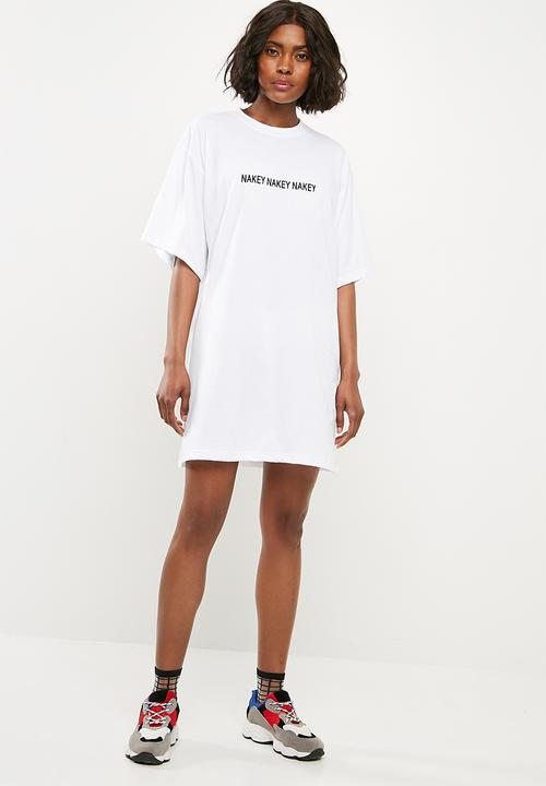 cf89b8b9e1e Oversized T-shirt dress nakey nakey - white Missguided Casual ...