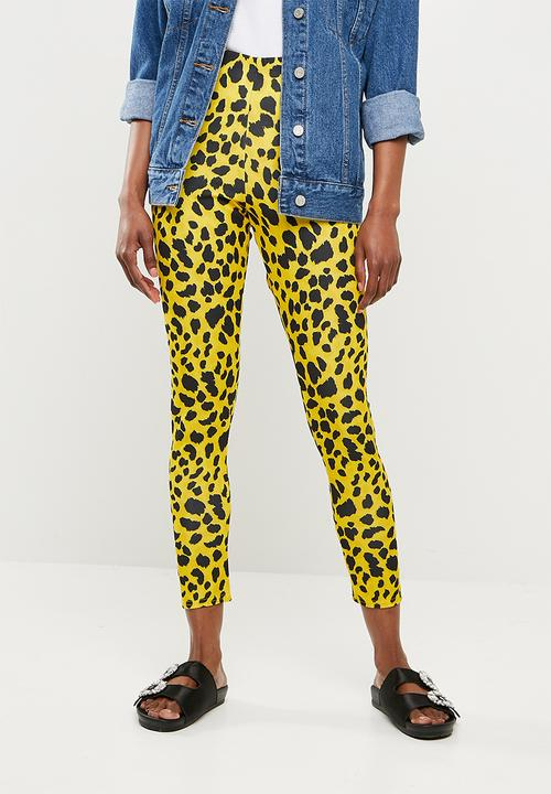 97e1b53cddc2 Leopard print cigarette trousers - yellow Missguided Trousers ...
