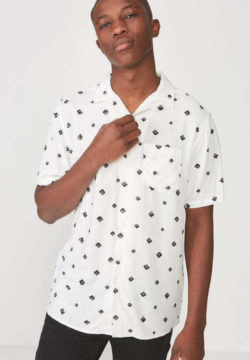 b1889f67 91 short sleeve shirt - diamond geo Cotton On Shirts | Superbalist.com