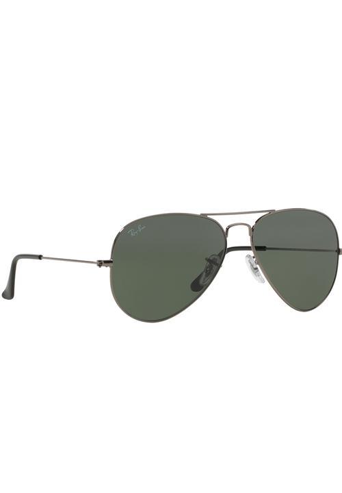 8d52dce7267 Ray-Ban Classic Aviator Gradient Sunglasses Black Ray-Ban Eyewear ...