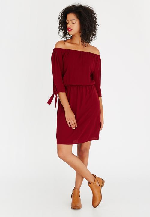 0dd07b941efa Off-the-shoulder Dress Dark Red Revenge Casual