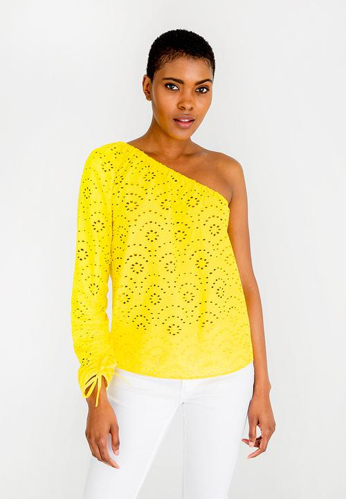 160279aa456681 Sabah One Shoulder Top Yellow ONLY Blouses
