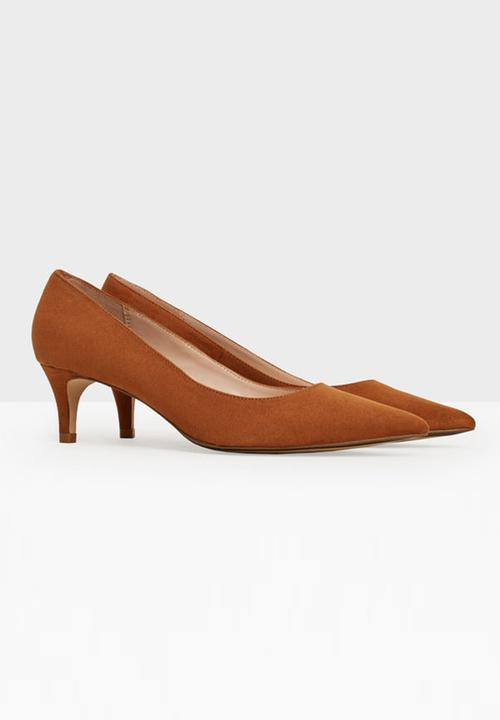 Tan Kitten Heel Shoes