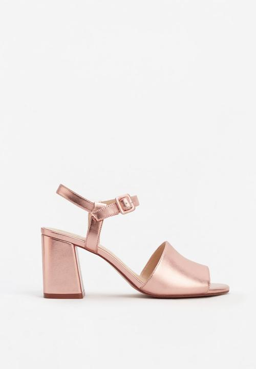 8483df95c Ankle-cuff Sandals Metallic MANGO Heels