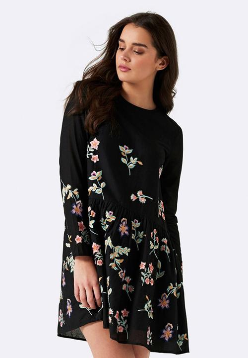 609e50f1f73 Natasha Embroidered Dress Black Forever New Formal