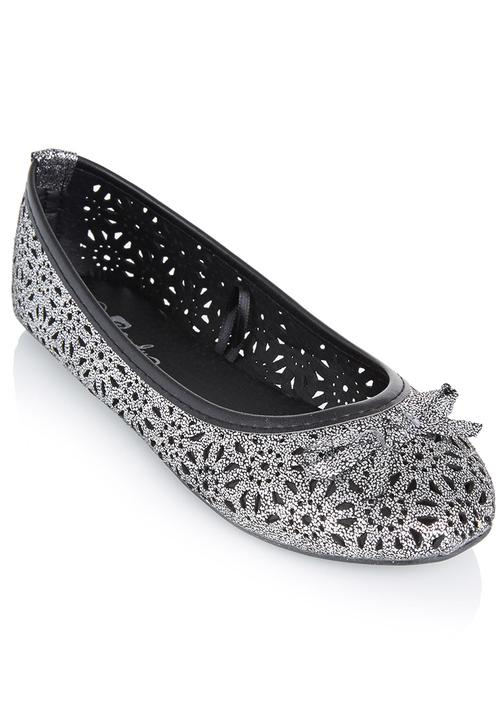 1e3f819db6a Girls Pumps with Cut-out Detail Black Candy Shoes