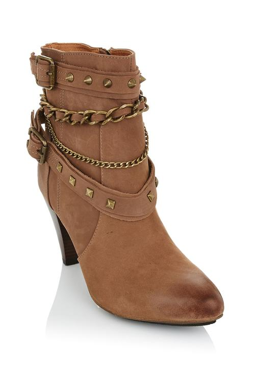 6b2660d34 Leather ankle boots with chain Camel Tan Sam Star Boots ...