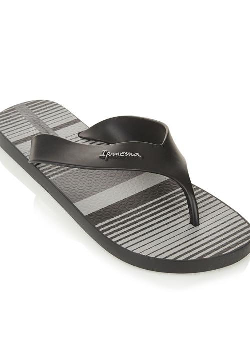 a8847b43bcb Ipanema Deck sandals Black Ipanema Sandals   Flip Flops ...
