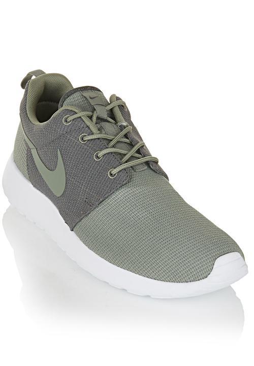 0023c7be9d22b Nike Roshe Run Black White Dark Green Nike Sneakers