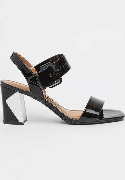 9b8e68b1dcb Ankle-strap Sandals Black and White Vizzano Heels