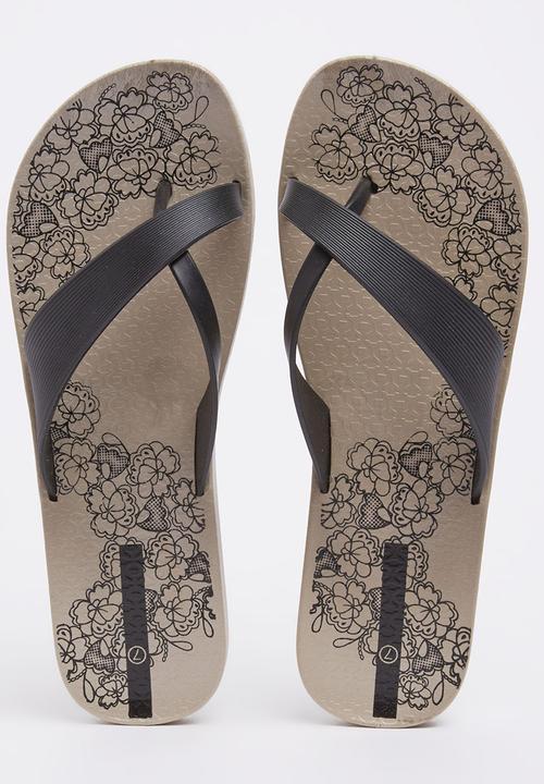 f87fed3c987e Crossover Flip-flops Black 2 Surf Sandals   Flip Flops