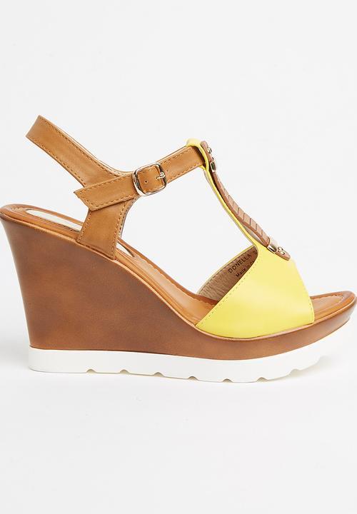 29a9fba08c Donella Wedge Heels Yellow Miss Black Heels | Superbalist.com