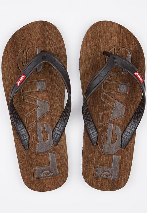 3c5b37ff1da4 Levis Bells Sandals Dark Brown Levi s® Sandals   Flip Flops ...