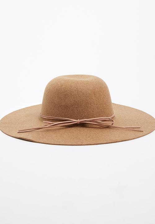 6faa093348f74 Wide Brim Hat Camel STYLE REPUBLIC Fashion Accessories