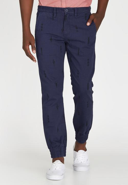 bf8602f5398dd0 Excerpt Chino Pegged Navy Vans Pants   Chinos