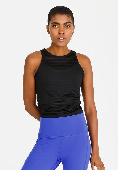 bada9d7361db38 Delta Mesh Crop Top Black Reebok T-Shirts