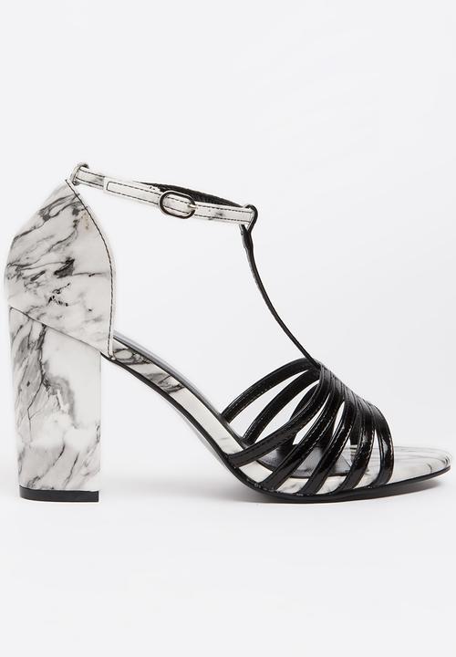 38bb9fdca029 Classic Strappy Heels Black Dolce Vita Heels