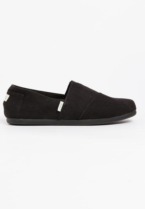 603f8dc068ecc Colour Block Slip On Shoe Black Paez Slip-ons and Loafers ...