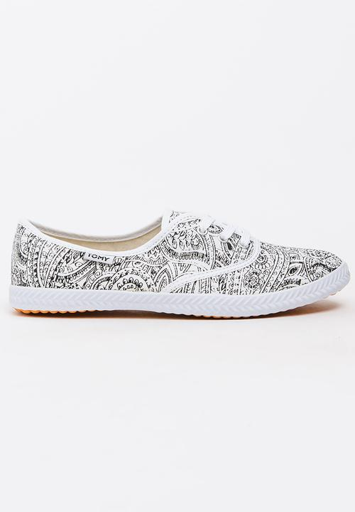 3ef63cf1397 Tomy Original Mono Paisley Sneakers Black and White TOMY Sneakers ...