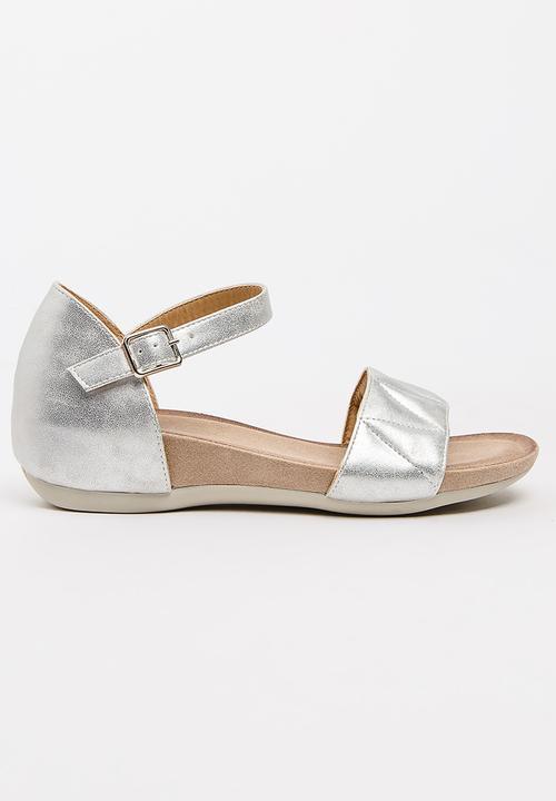 ede89b8edfa178 Hillary Sandals Silver Butterfly Feet Sandals   Flip Flops ...