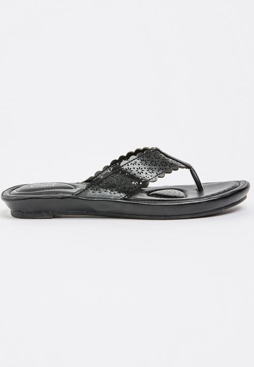 741c4b855673 Bella Sandals Black Bata Sandals   Flip Flops