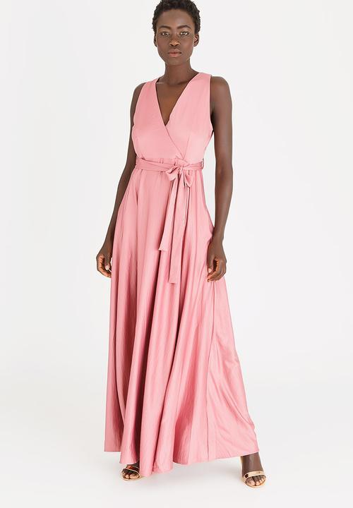 f9740eeae5 Thenjiwe Satin-like Maxi Dress Rose AMANDA LAIRD CHERRY Formal ...