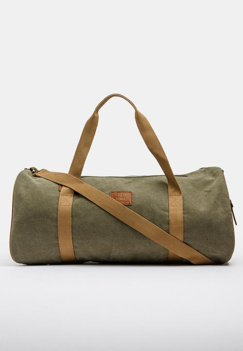 Spirit Weekender Duffel Bag Khaki Green JEEP SPIRIT Bags   Wallets ... ca026f2834193