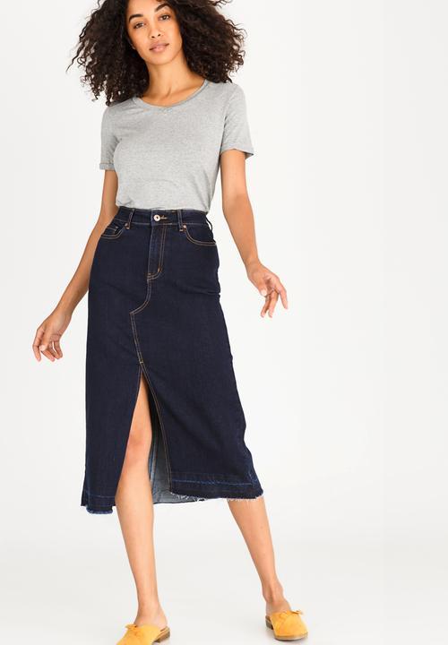 d28b654b23 Maxi Denim Skirt with Front Slit Dark Blue STYLE REPUBLIC Skirts ...