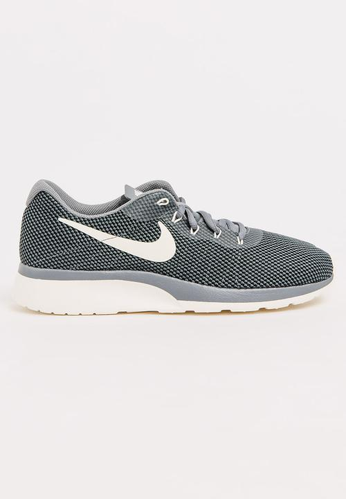 finest selection da19a 197f1 Nike - Nike Tanjun Racer Sneakers Grey