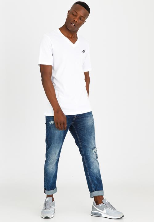 NSW Tee Vnk Club Embrd Ftra White Nike T-Shirts  cb40b5dc0a04e