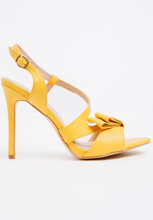Aneka Strappy Heels Yellow Miss Black Heels  a9e6e0339