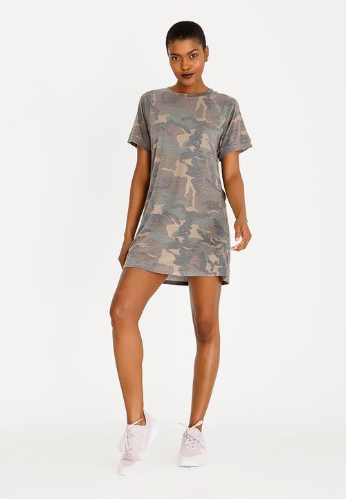 e6a4c5a2e7dd Camo Print T-shirt Dress Brown Forever21 Casual | Superbalist.com