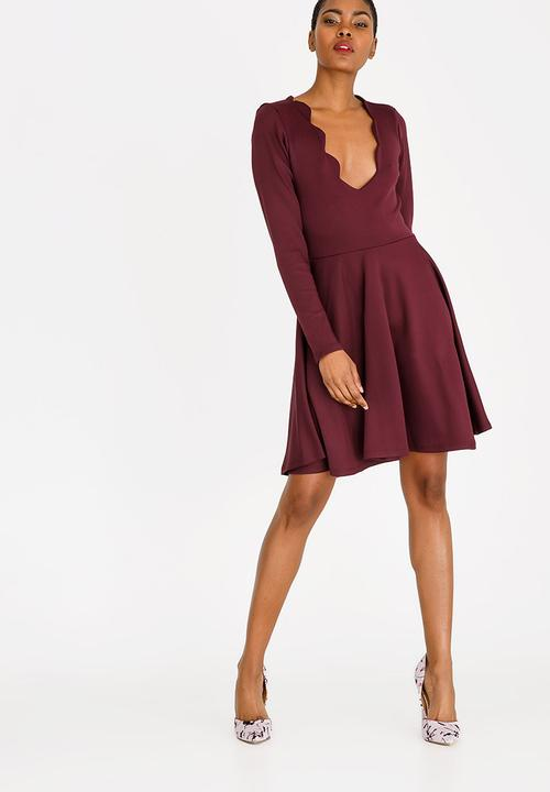 eff1093554 Scallop Fit And Flare Dress Burgundy c(inch) Formal