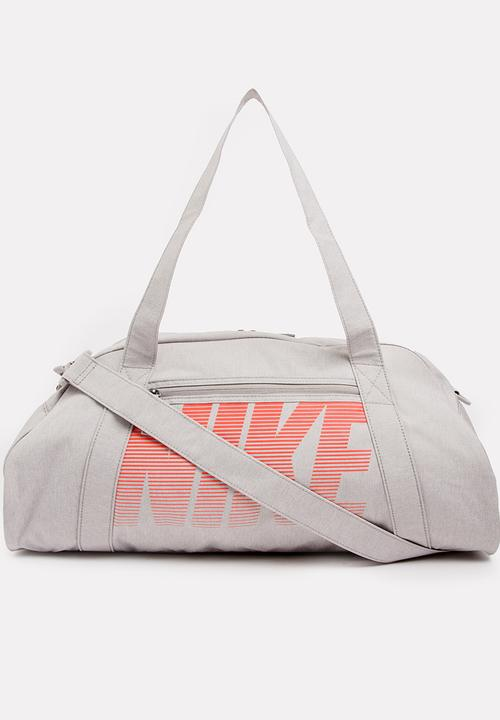 61bbba7596 Nike Gym Club Training Duffel Bag Grey Nike Bags & Purses ...
