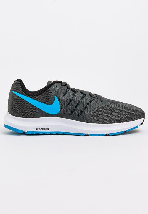 5cabd2908db18c Nike Run Swift Runners Dark Grey Nike Trainers