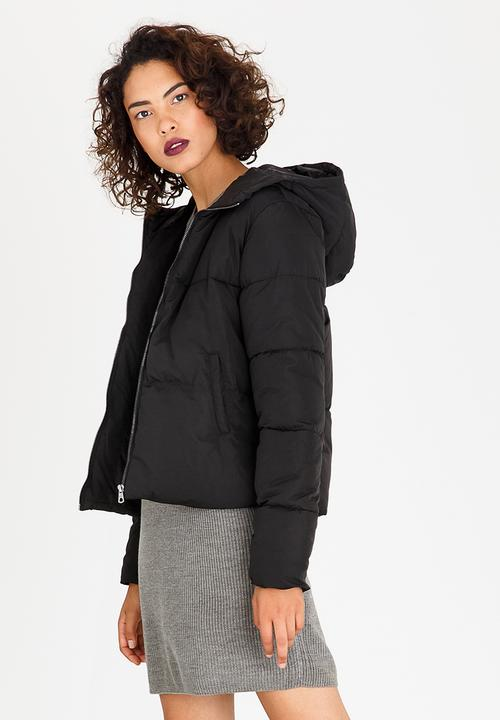 87c6ceae9665cd Cillie Quilted Puffer Jacket Black ONLY Jackets