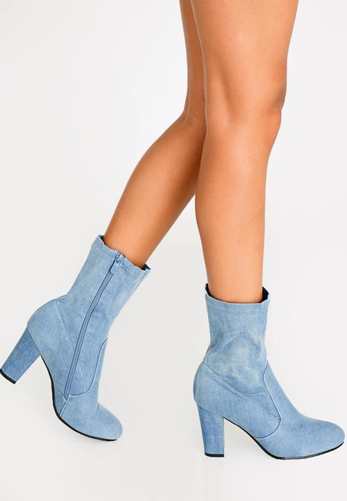 09439f559dcd Nelly Ankle Boots Pale Blue Plum Boots
