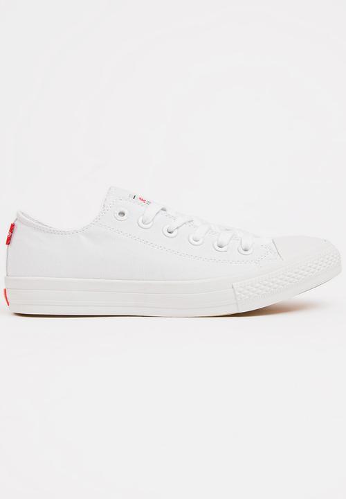Pitch Lo Mono Sneakers White Levi s® Pumps   Flats  1b9bf810841