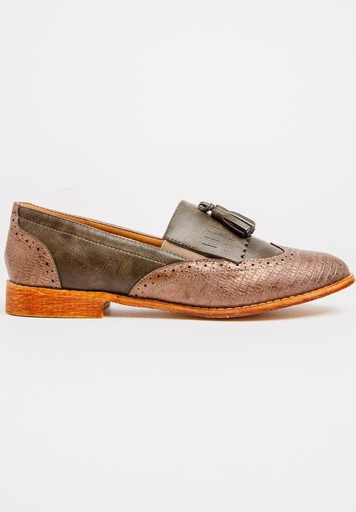 fa47cce88b553 Cardiff Loafers Brown Dolce Vita Pumps   Flats