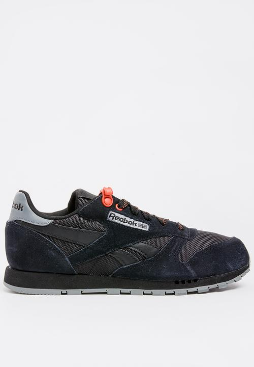 915fd1b498471 Classic Suede Sneaker - Black Reebok Classic Shoes