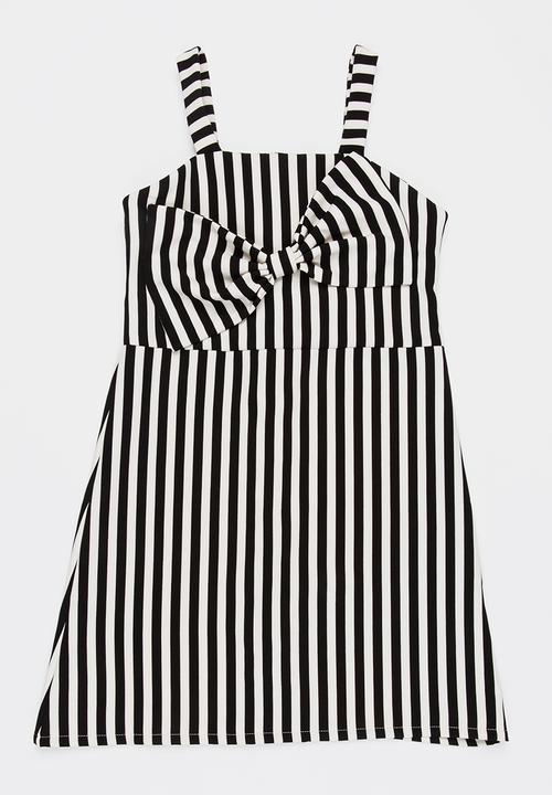 76756a546da Bow detail dress - black Rebel Republic Dresses   Skirts ...