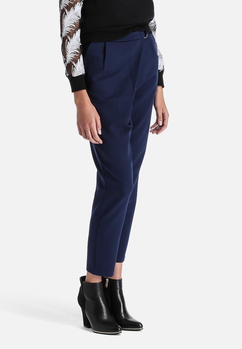peg leg trousers how to wear
