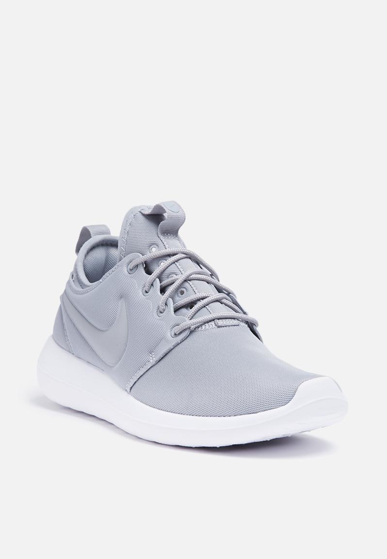 Nike W Roshe Two - 844931-001 - Wolf Grey / White Nike Sneakers |  Superbalist.com