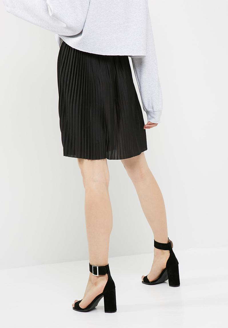 Find a great selection of women's skirts at piserialajax.cf Shop for mini, maxi, pencil, high waisted, denim, and more from top brands like Topshop, Free people, Caslon, Levi's, Vince and more. Free shipping and returns.