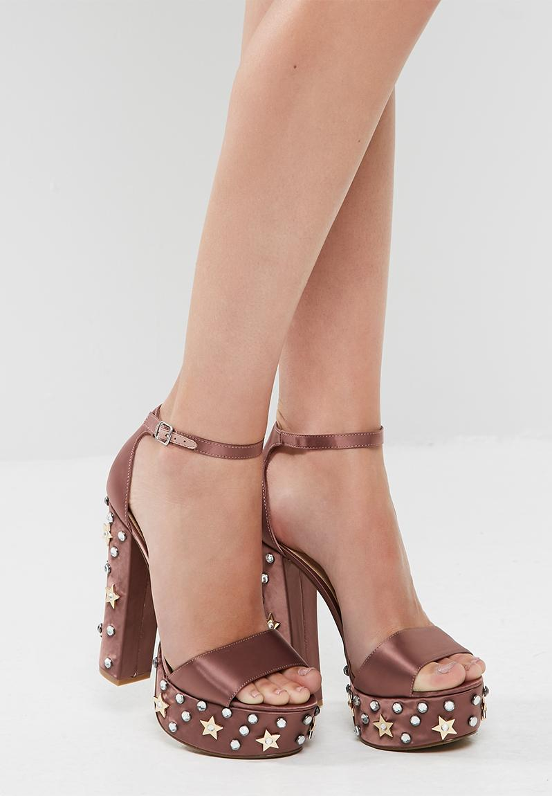We have 9 Steve Madden coupons including promo codes and free shipping deals for December Today's top coupon is a 30% Off coupon code. Find the perfect pair of shoes for any occasion with Steve Madden.