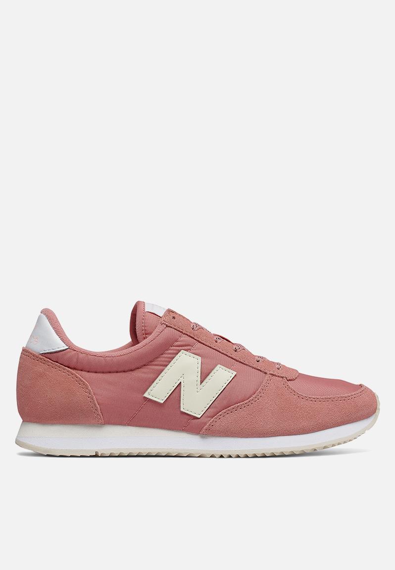 new balance sneaker pink